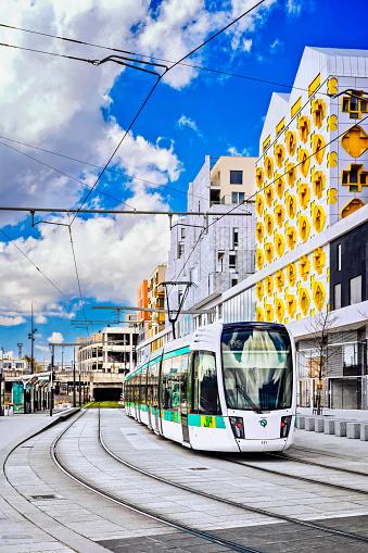 Cable Car「Tramway in Paris」:スマホ壁紙(18)
