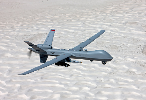Military「An MQ-9 Reaper flies a training mission over the White Sands National Monument in Southern New Mexico.」:スマホ壁紙(11)