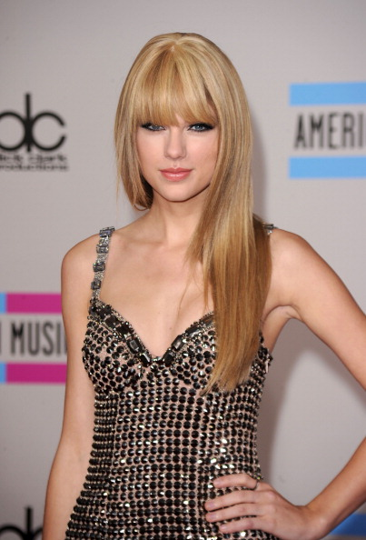 Straight Hair「2010 American Music Awards - Arrivals」:写真・画像(0)[壁紙.com]