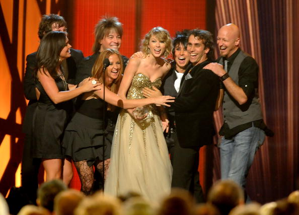 Performer「The 43rd Annual CMA Awards - Show」:写真・画像(14)[壁紙.com]