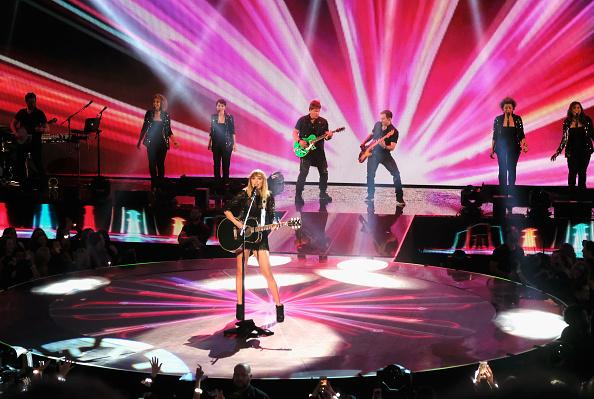 コンサート「2017 DIRECTV NOW Super Saturday Night Concert In Houston - Taylor Swift Performance」:写真・画像(16)[壁紙.com]