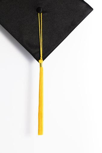 卒業「ブラックのすり鉢ボードに、ゴールドのタッセル」:スマホ壁紙(2)