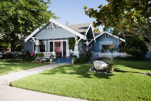 Southern California「Craftsman home exterior and front yard」:スマホ壁紙(7)