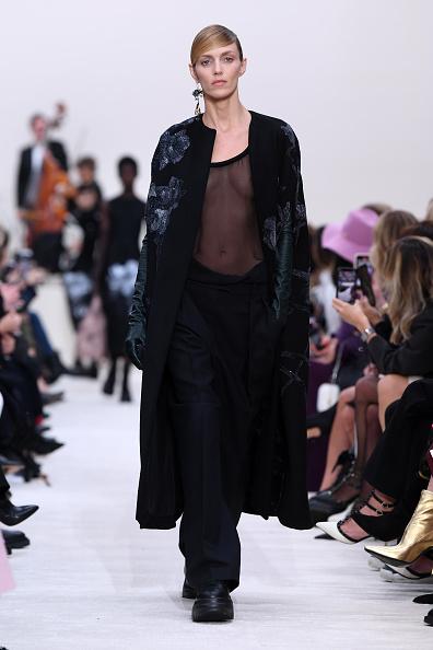 Womenswear「Valentino : Runway - Paris Fashion Week Womenswear Fall/Winter 2020/2021」:写真・画像(13)[壁紙.com]
