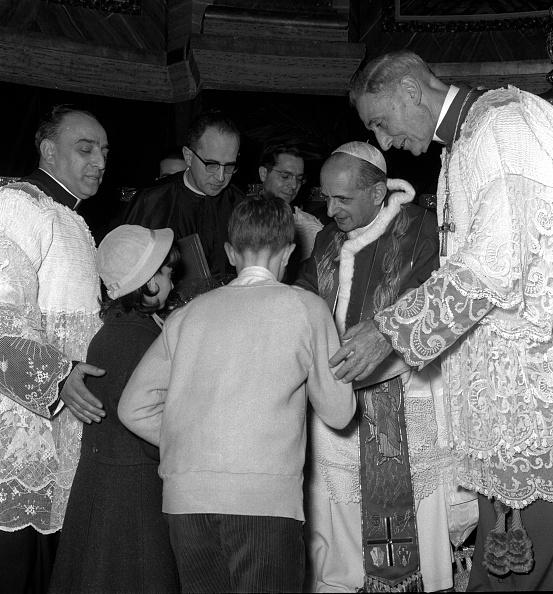 Religious Mass「Pope Paul VI talks to children」:写真・画像(12)[壁紙.com]