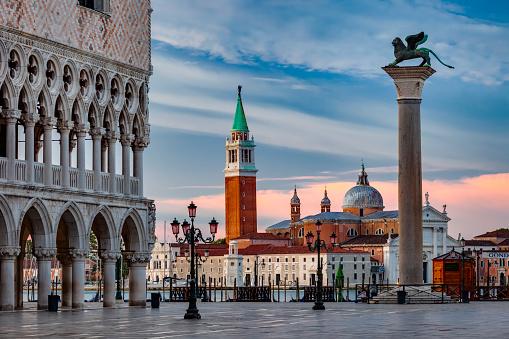 Venice - Italy「Venice at dawn」:スマホ壁紙(12)