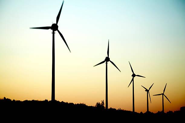 Windmills in a row at dusk:スマホ壁紙(壁紙.com)