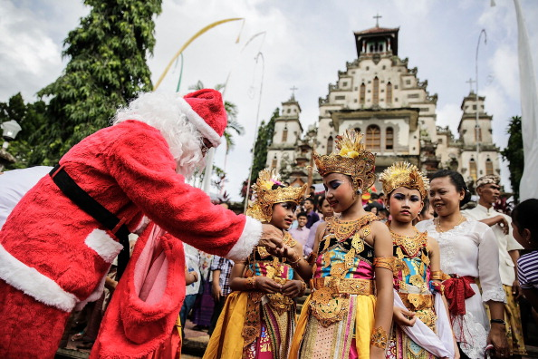 Christmas「Locals Celebrate Christmas In One Of Bali's Oldest Christian Villages」:写真・画像(13)[壁紙.com]
