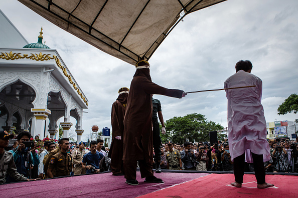 Photography「Indonesian Gay Couple Sentenced To Public Caning In Aceh」:写真・画像(6)[壁紙.com]