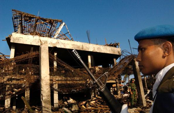 Beret「Bomb Blast Injures Over 150 People In Indonesia」:写真・画像(14)[壁紙.com]