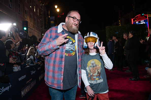 "The Mandalorian - TV Show「Premiere Of Disney+'s ""The Mandalorian"" - Red Carpet」:写真・画像(4)[壁紙.com]"