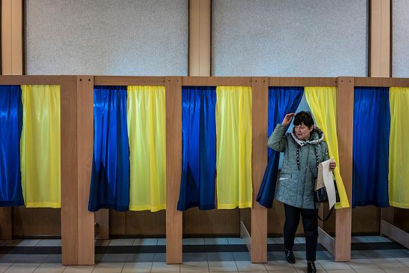 Ukraine「Ukraine Holds Presidential Election」:写真・画像(3)[壁紙.com]