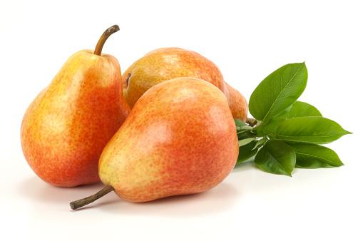 Pear「Three pears on white」:スマホ壁紙(9)