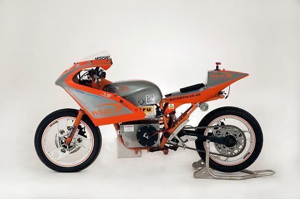Drag Racing「1985 Yamaha Electric dragster motorcycle」:写真・画像(19)[壁紙.com]