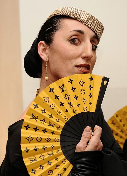 Hand「Rossy de Palma Presents Louis Vuitton Hand Fan Collection」:写真・画像(11)[壁紙.com]