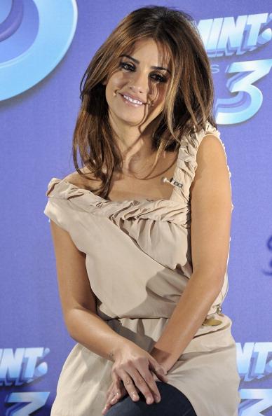 Chiffon「Monica Cruz Presents New 'Smint Kiss 3'」:写真・画像(19)[壁紙.com]