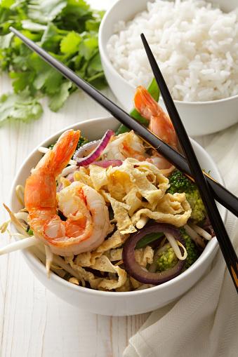 野菜「アジアの料理: 炒め揚げ海老、卵と野菜のある静物」:スマホ壁紙(7)