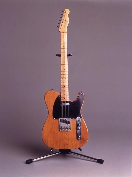ギター「Eric Clapton Guitars Charity Auction A Charity Auction To Benefit Crossroads Centre At Antigua Fou」:写真・画像(19)[壁紙.com]