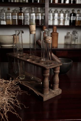 Specimen Holder「Antiquated test tubes & vintage medical equipment」:スマホ壁紙(10)