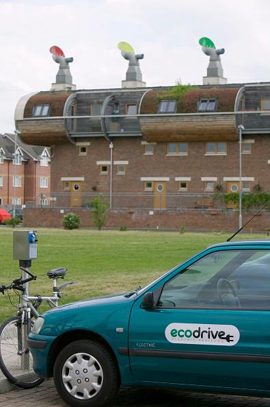 Recycling「An electric car at Bedzed the UK's largest eco village Beddington London UK」:写真・画像(18)[壁紙.com]