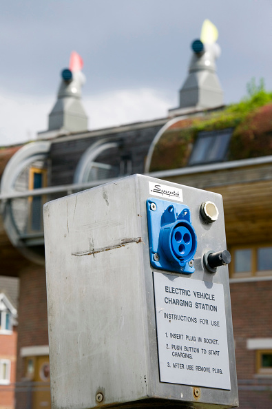 Industrial Equipment「An electric car charging point at Bedzed the UK's largest eco village Beddington London UK」:写真・画像(2)[壁紙.com]