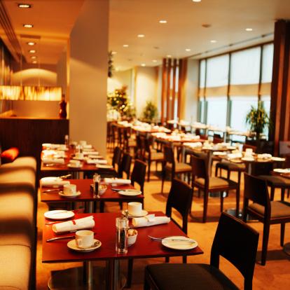 Restaurant「View of row of tables in restaurant」:スマホ壁紙(19)