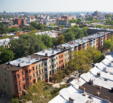 Row House「View of rowhouses in Brooklyn, New York」:スマホ壁紙(2)