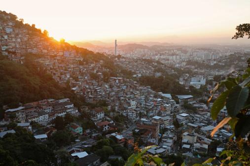 Developing Countries「Favela in Rio de Janeiro, Brazil」:スマホ壁紙(18)