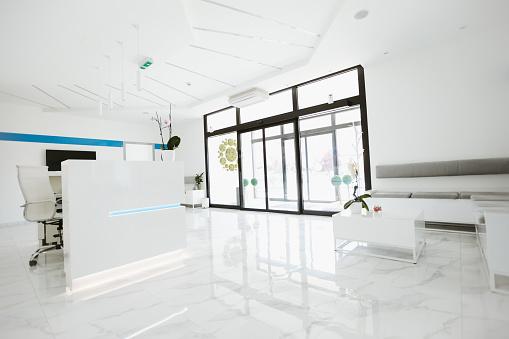 Formal Reception「Reception desk in modern clinic」:スマホ壁紙(19)