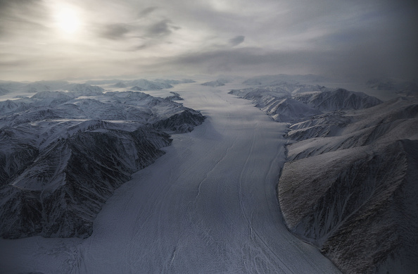 Arctic Ocean「NASA Continues Efforts To Monitor Arctic Ice Loss With Research Flights Over Greenland and Canada」:写真・画像(4)[壁紙.com]