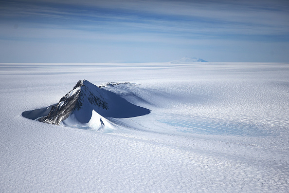 Mountain「NASA's Operation IceBridge Maps Changes To Antartica's Ice Mass」:写真・画像(4)[壁紙.com]
