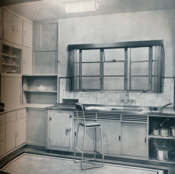 Domestic Kitchen「Section Of A Small Kitchen, Designed By Mrs Darcy Braddell, 1935.」:写真・画像(15)[壁紙.com]