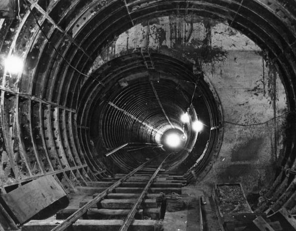 Railroad Track「Tube Tunnel」:写真・画像(17)[壁紙.com]