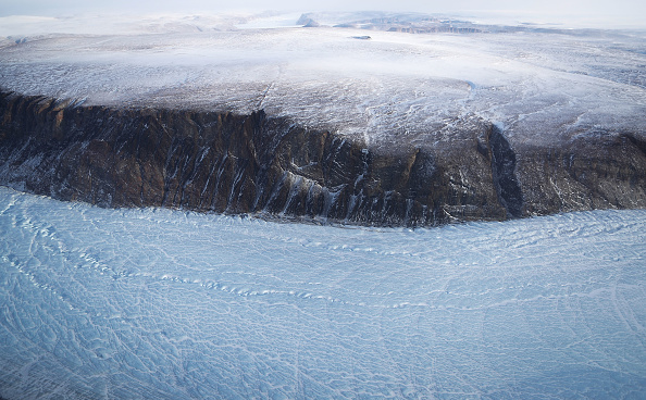 Arctic Ocean「NASA Continues Efforts To Monitor Arctic Ice Loss With Research Flights Over Greenland and Canada」:写真・画像(2)[壁紙.com]