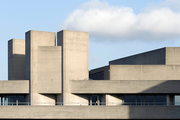 Modern「The National Theatre located on the south bank of the river Thames in London is another major example of Brutalist architecture. Designed by architect Sir Denys Lasdun and opened in 1976.」:写真・画像(16)[壁紙.com]