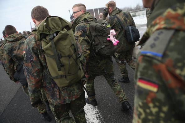 Stuffed「Bundeswehr Soldiers Depart For Turkey」:写真・画像(16)[壁紙.com]