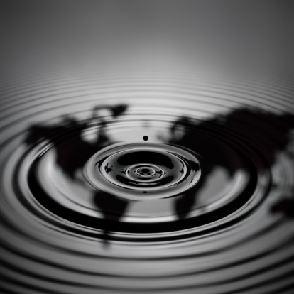 Crude Oil「Oil drop with ripple, reflecting continents (Digital Composite)」:スマホ壁紙(9)