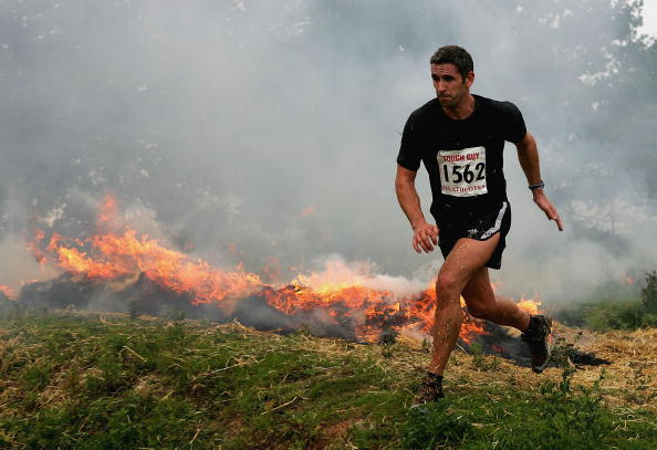 Sports Clothing「GBR: Competitors Participate In The Tough Guy Challenge 2004」:写真・画像(18)[壁紙.com]