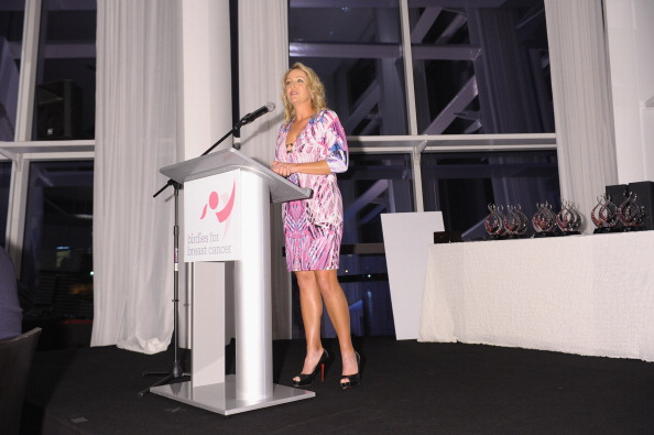 クリスティ・カー「Birdies For Breast Cancer Presents 2012 Celebrity Golf Classic Hosted By Christie Kerr At Liberty National」:写真・画像(10)[壁紙.com]