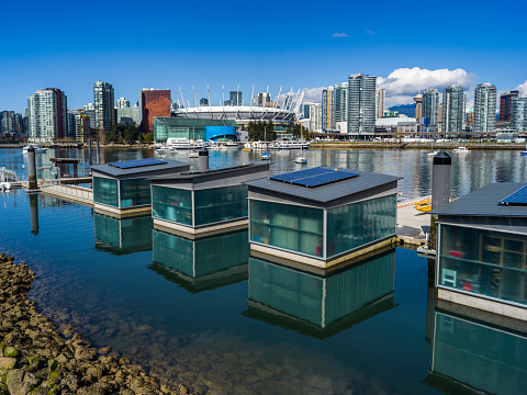 Solar Energy「Floating homes in the harbour.」:スマホ壁紙(19)