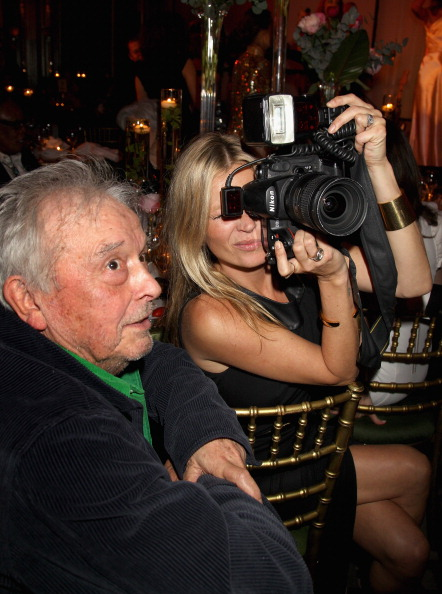Photographing「Marie Curie Cancer Care Fundraiser Hosted By Heather Kerzner」:写真・画像(8)[壁紙.com]