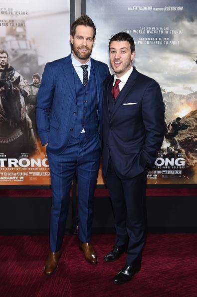 下襟「'12 Strong' World Premiere」:写真・画像(8)[壁紙.com]