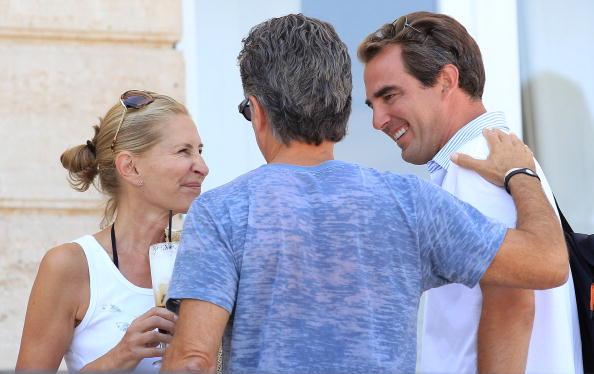 Spetses「Wedding Guests of Prince Nikolaos and Tatiana Blatnik Sighting in Greece」:写真・画像(5)[壁紙.com]