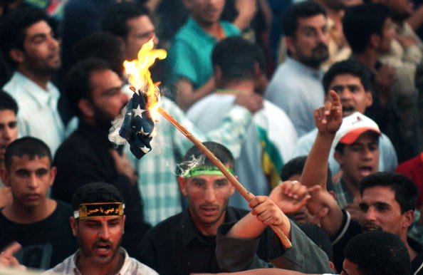 Togetherness「Iraqi Shia Protest Newspaper Closure」:写真・画像(7)[壁紙.com]