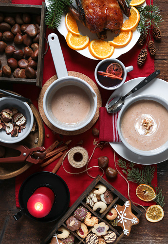 chestnut「Festive Christmas Day Table with Roast Turkey and Chestnut Soup」:スマホ壁紙(11)