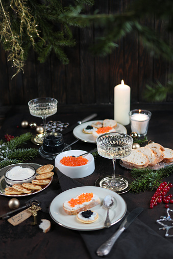 French Food「Festive Christmas Table with Caviar Blinis and Champagne」:スマホ壁紙(16)