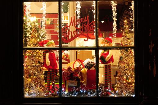 19th Century「Festive Christmas holiday window display」:スマホ壁紙(13)