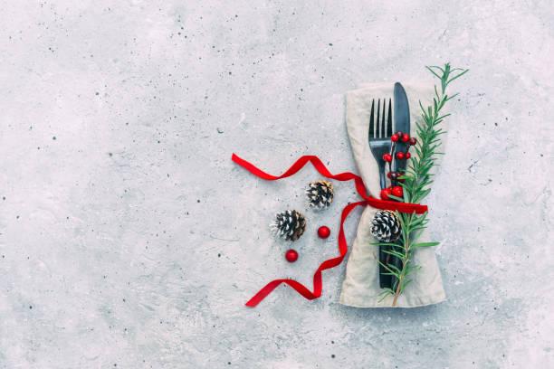 Festive Christmas place setting and decorations:スマホ壁紙(壁紙.com)
