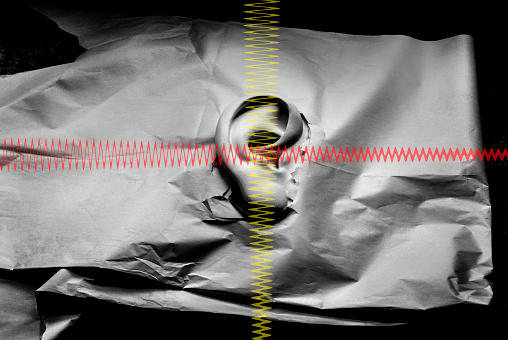 North Holland「Plaster ear sticking through tin paper with soundw」:スマホ壁紙(16)