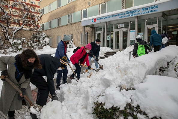 Madrid「Madrid Digs Out From Exceptional Snowfall」:写真・画像(3)[壁紙.com]